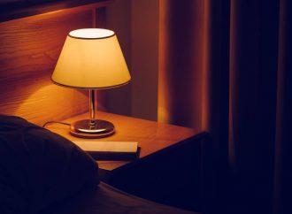Wiecznie żywe oświetlenie sufitowe